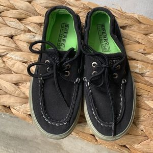 Boys Sperry Halyard Boat Shoes: Size 13.5